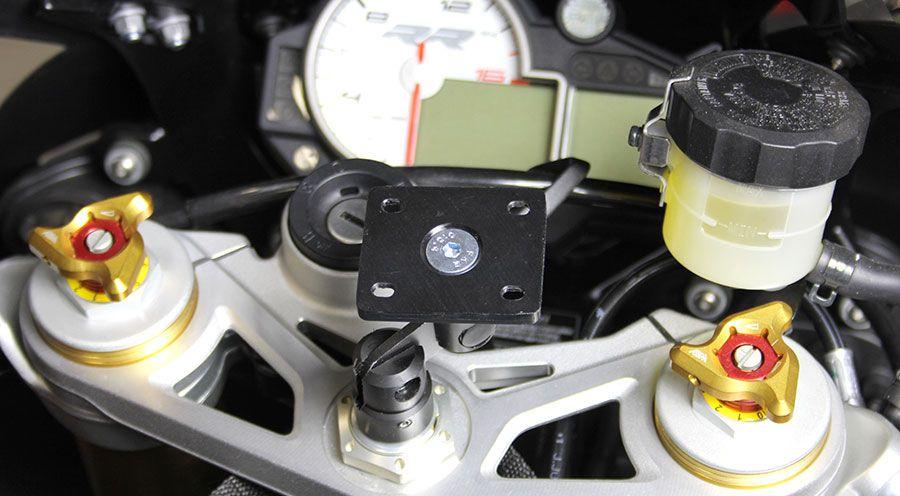 fixation gps avec plaque pour bmw s1000rr accessoires moto hornig. Black Bedroom Furniture Sets. Home Design Ideas
